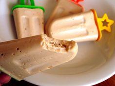 Picolé de Banana com Pasta de Amendoim Fitness Sorvete caseiro super saudável, ótima ideia para dias quentes! É muito simples você vai precisar de poucos ingredientes.