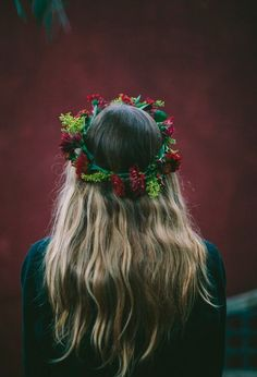 deep red and greenery floral crown Paige Lowe. This is what i want in my hair My Hairstyle, Ombre Hair, Hair Goals, Her Hair, Hair Inspiration, Hair Makeup, Hair Beauty, Long Hair Styles, Flower Crowns
