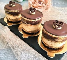 Delikatesné kávovo-čokoládové tortičky My Dessert, Dessert Recipes, Halloween Cookies, Chocolate Coffee, Mini Desserts, Mini Cakes, Cheesecakes, Tiramisu, Bakery