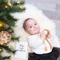 MIJN EERSTE KERSTFEEST // oh kijk dit lieve en mooie dochtertje van @alicia.van.stuijvenberg 😍. Haar eerste kerstfeest... bijzonder momentje om vast te leggen! Fijne dag allemaal 😘 . . . . #mijlpaalkaart #mijlpaal #eerstekerstfeest #kerstfeest #zojoann #milestone #christmas #kerst #baby #newborn #eerstekerst #mijlpaalkaarten