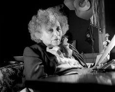 Les maisons de Colette à Paris et en province Le Figaro, Expositions, Minne, Parisian, Novels, Portrait, People, Oeuvres, Holi