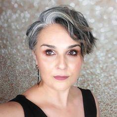 Transitioning to Gray Hair NEW Ways to Go Gray in 2020 - Hair Adviser grey hair going gray Blue Grey Hair, Grey Hair Care, Silver Grey Hair, Short Grey Hair, Short Hair Cuts, Lilac Hair, Pastel Hair, Green Hair, Grey Short Hair Styles
