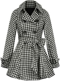 This coat is adorable! Might need to add it to my collection ;) A girl can never have too many coats, right?
