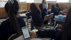 Usar o no el celular en el aula: Francia lo prohibió y en Argentina se incentiva