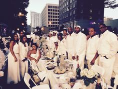 """Diner en Blanc officially called """"Le Diner en Blanc"""" but also called """"DEB"""" is an all-white, outdoor, fancy dinner party that has become a. Wine In The Woods, All White Party, White Party Attire, Essence Festival, Princess Half Marathon, Dinner Party Menu, Le Diner, Wedding Photography Poses, Park Weddings"""