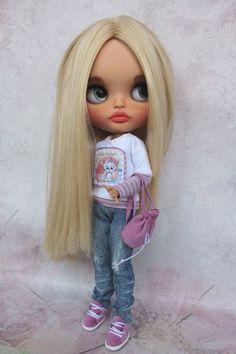 Sold out Blythe Custom Blythe OOAK doll OOAK Blythe TBL | Etsy Ooak Dolls, Reborn Dolls, Blythe Dolls, Cute Baby Dolls, Cute Babies, Unicorn Doll, Barbie, Creepy Dolls, Blonde Beauty