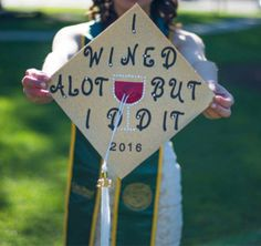 Best Graduation Cap Ideas for 2019 Grads Show off your wonderful sense of humor with your grad cap design. The big day is serious but your grad cap doesn't have to be. You can use your graduation cap to remind you and your friends to have some fun. Funny Graduation Caps, College Graduation Pictures, Graduation Cap Designs, Graduation Cap Decoration, Grad Pics, Graduation Ideas, Graduation Invitations, Senior Pics, Senior Year