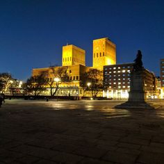 Crispy winter evening by Oslo City Hall #winterinoslo #summeriscoming