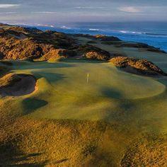 A beautiful golf course that must be played. Famous Golf Courses, Public Golf Courses, St Andrews Golf, Augusta Golf, Coeur D Alene Resort, Golf Course Reviews, Coeur D'alene, Putt Putt, Troy