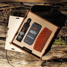 Big Red Reserve Kit. The gift that keeps on giving. Choose you oil, choose your balm, choose your comb.  All packed in a nice custom presentation box that you can put you ?? In. #bigredbeardcombs #beardcomb #pocketcomb #comb #woodcomb #menstyle #mensgrooming #mensstyle #gentleman #noshave #facialhair #beard #beardstagram #beardedmen #girlswholovebeards #staygroomedgentlemen #beardstildeath  photo by @chadhip