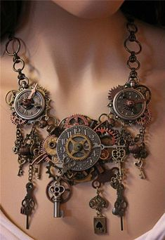 Steampunk Necklace, gorgeous!