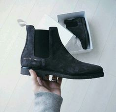BLACK CHELSEA BOOTS,ONE OF THE BEST WINTER ESSENTIALS