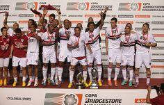 São Paulo Futebol Clube - É campeão! Tricolor conquista a Sul-Americana