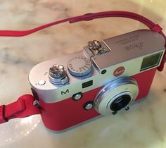 Sakura Leica A La Carte Red | Wild but Elegant