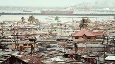 """Caminando por el infierno de Monrovia, capital de Liberia (11) de (14) """"Una bomba atómica ha caído sobre Monrovia"""" #Liberia #Africa #viajes #viajar #misviajesporAfrica"""