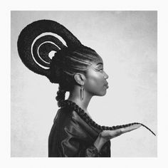 Shuku is a traditionalhairstyle originating from Nigeria. Despite being around for thousand of years, this hair braiding style is stunningly creative and innovative and is making a come back on th…