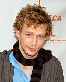 """Johnny Lewis, known as """"Half Sack"""" in the first 2 seasons of """"Sons of Anarchy"""", on Sept. 26, 2012, Lewis and an 81 yr old woman were found dead at a home in Los Angeles.  It appeared that he had either fell or jumped from the home's roof. Celebrity Deaths, Celebrity News, Johnny Lewis, Amy Locane, Famous Celebrities, Celebs, Gig Young, Steve Thomas, Celebrity"""