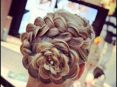 trenza invertida        ¿como están?, en esta ocasión le muestro como hacer un peinado en S y con un terminado en flor, espero les guste     Viriyuemoon;     www.youtube.com/viriyuemoon    www.youtube.com/mitoquepersonal        FACEBOOK;     facebook.com/viriyuemoon        blogger:      http://viriyuemoon.blogspot.com/                                      party hairstyle, парт...