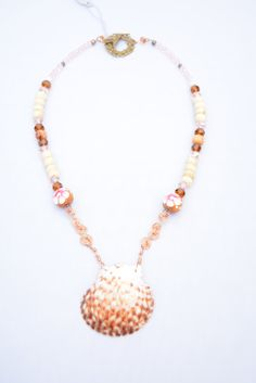 Natural Color Scallop Sea Shell Necklace with Pink Crystals and Painted Wooden Beads. Nautical Necklace. Scallop Shell. Mermaid Necklace. by flashinfashinjewelry. Explore more products on http://flashinfashinjewelry.etsy.com