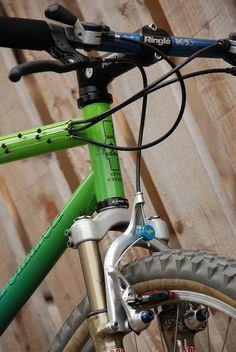 Fat Chance Shock A Billy Classic Road Bike, Classic Bikes, Mtb, Garage Bike, Small Room Design, Cool Bikes, Mountain Biking, Old School, Retro Bikes