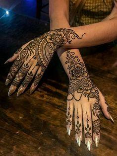 Pretty Henna Designs, Modern Henna Designs, Henna Tattoo Designs Simple, Henna Art Designs, Latest Mehndi Designs, Mehndi Designs For Hands, Bridal Mehndi Designs, Indian Tattoo Design, Henna Tattoos