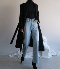 Long Coat Women Fashion and Wide leg Denim Jeans Winter Fashion Outfits, Look Fashion, Korean Fashion, Winter Outfits, Fashion Pants, Girl Fashion, Fashion Women, 80s Fashion, Fashion Skirts