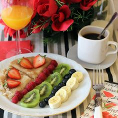 Desayuno Romantico Ideas, Party Food Platters, Tumblr Food, Healthy Snacks, Healthy Recipes, Good Morning Coffee, Perfect Breakfast, Foods To Eat, Food And Drink