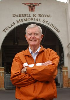 Royal - Darrel Royal was a well-known football coach from Hollis, Oklahoma. Royal was most known for his involvement with coaching and as an athletic director for the University of Texas' Longhorns football team. College Football Coaches, Ut Football, Texas Longhorns Football, Ut Longhorns, Eyes Of Texas, Hook Em Horns, Texas History, University Of Texas, Sports Figures