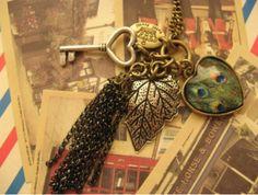 Retro Style Key Heart Leaf Peacock Necklace_Jewelries_Accesories_Wholesalekingdom.net
