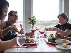 Itinéraire gastronomique | Tourisme Île-du-Prince-Édouard Chef Michael Smith, Prince, Desserts, High Tea Menu, Green Gables, Food Trip, Seafood, Tailgate Desserts, Deserts