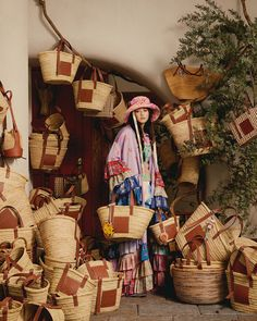 Loewe Bag, Videos Funny, Ibiza, Straw Bag, Crossbody Bag, How To Wear, Bags, Painting, Collection
