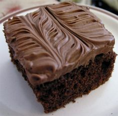 Not mixed by the usual methods, but this tangy and moist chocolate cake is one of the best.Read more Sour Cream Chocolate Cake › No Cook Desserts, Just Desserts, Dessert Recipes, Dessert Ideas, Cake Cookies, Cupcake Cakes, Cupcakes, Yummy Treats, Sweet Treats
