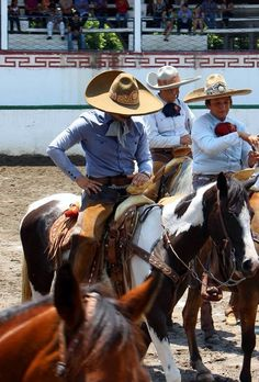 All things Mexico. Mexican Rodeo, Chicano Love, New Spain, Real Cowboys, Cowboy Art, American Country, Mexico Travel, Culture Travel, South America
