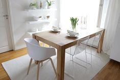 seinähyllyt,puupöytä,ruokailuryhmä,ruokailutilat,ruokatuolit