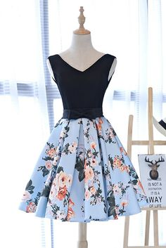 Cute black V neck short floral homecoming dress with bowknot
