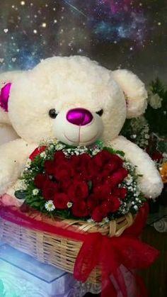 Valentine Flower Arrangements, Beautiful Flower Arrangements, Floral Arrangements, Valentines Day Baskets, Valentines Flowers, Valentine Nails, Valentine Ideas, Flower Box Gift, Flower Boxes