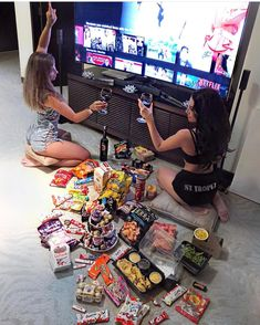 Image shared by Find images and videos about food, friends and bff on We Heart It - the app to get lost in what you love. Best Friend Pictures, Bff Pictures, Friend Photos, Bff Pics, Best Friend Fotos, Summer Goals, Friend Goals, Best Friends Forever, Sleepover