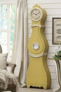 Jaune Swedish Wall Clock