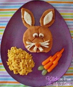 Homemade Bunny Burger + Carrots #Homemade #Hamburgers #KidFoods #Burgers #Dinner #Easter