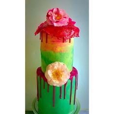 Summer colours over a delicious multilayered flavour mix of chocolate and vanilla. The toffee top is amazing!!!!