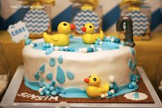 A Modern Rubber Ducky First Birthday | CatchMyParty.com