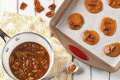 Snack on a delicious praline that's sweet, crunchy and delicious!