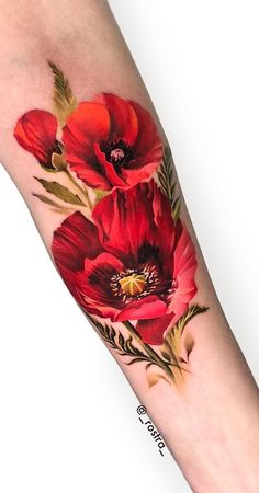 Poppy Tattoo Sleeve, Red Poppy Tattoo, Sleeve Tattoos, Poppy Flower Tattoos, Tatoo Floral, Colorful Flower Tattoo, Flower Tattoo Designs, Realistic Flower Tattoo, Cover Up Tattoos