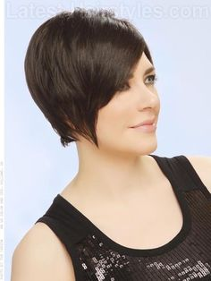 Sleek and Straight Short Hairstyle