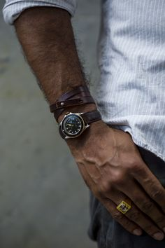 """1000yardstyle: """"Watching…a Tudor Mini Sub & the argument for the small mens watch. Very glad to see guys returning to more proportionate, often vintage watches, this 90s Mini Sub is proof vintage watches can be smaller but no less military grade. """""""