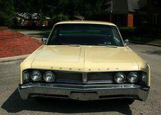 1967 Chrysler Newport Hardtop - Pristine Classic Cars For Sale Rolls Royce, Chrysler Convertible, Chrysler Newport, Plymouth, Mopar, Cars For Sale, Dodge, Classic Cars, Automobile