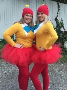 Alice In Wonderland Costumes. Homemade Costumes. Group Costumes. Tweedle Dee and Tweedle Dum costumes.