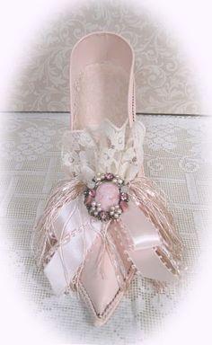 Pink Metal Victorian Shoe-Victorian Shoe