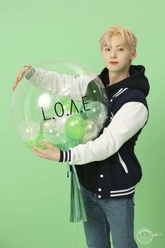 Nu Est Minhyun, Fandom, Boys Who, Memes, Boy Groups, Mario, Dancer, Japan, Guys
