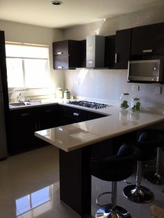 Cocinas Kitchen Room Design, Kitchen Cabinets Decor, Home Decor Kitchen, Interior Design Kitchen, Cottage Kitchen Inspiration, Kitchen Modular, Cuisines Design, Beautiful Kitchens, Kitchen Remodel